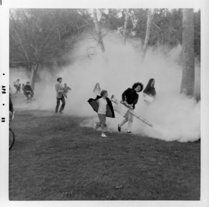 Judy Chicago Smoke Gun Atmosphere B © Judy Chicago/Artists Rights Society (ARS), New York Photo courtesy of Through the Flower Archives
