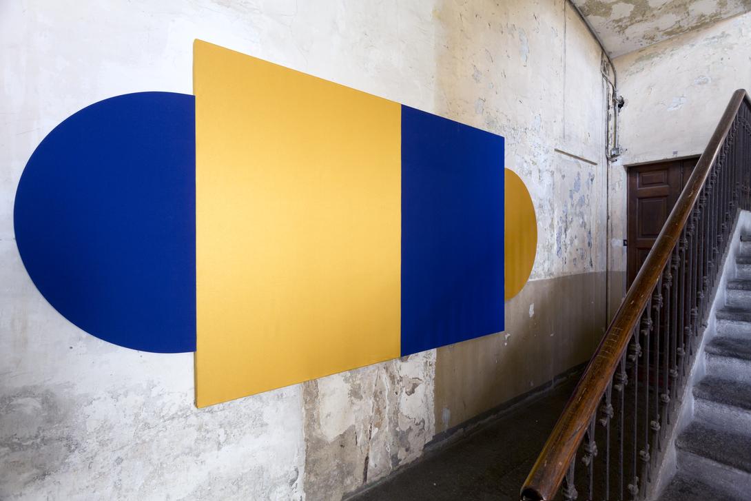 GentiliVicini, 2020. Installation view at Viadellafucina16 condominio museo. Photo Giovanna Frisardi. Courtesy Viadellafucina16 condominio museo