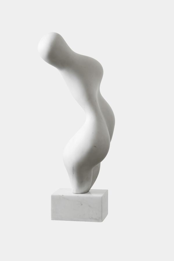 Hans Arp, Torso Garbe, 1958, Collection privée, © 2020, ProLitteris, Zurich. Photo: © Manolo Mylonas