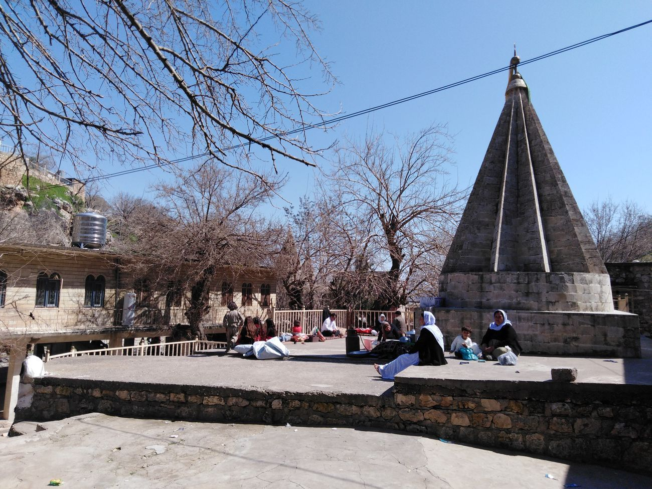 Il Santuario di Lalish. Donne yezide