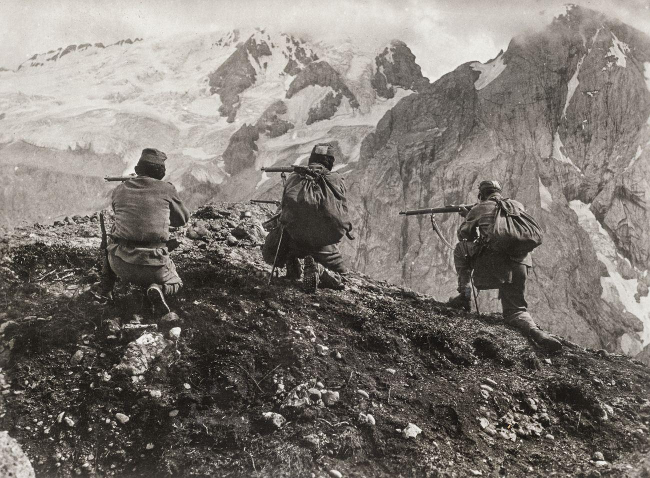 Alice Schalek, Tireurs au Pordoi, Dolomites, Italie, 1915 © Österreichische Nationalbibliothe, Vienna