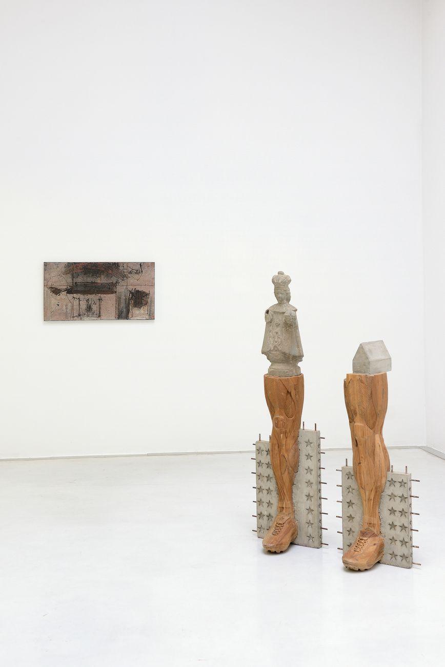 Rosso e Grigio. Emilio Scanavino, Riyas Komu. Exhibition view at Studio la Città, Verona 2021. Photo credits Michele Alberto Sereni. Courtesy Studio la Città