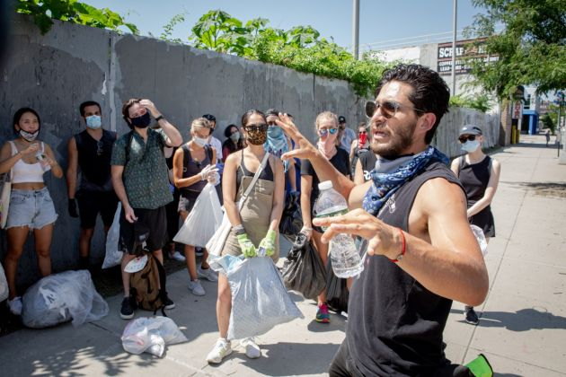 Sébastien Vergne, [In the absence of city resources, volunteers from the community group Echoed Voices clean up their Greenpoint neighborhood], July 2020, Courtesy of the photographer