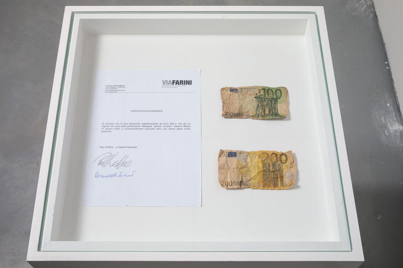 Cesare Pietroiusti, Eating Money, 2005. Courtesy Galleria Michela Rizzo and the artist. Photo credits Francesco Allegretto