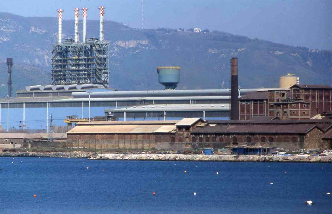 Vista da mare Montecatini e Treno Nastri Ilva (1990), Archivio Augusto Vitale