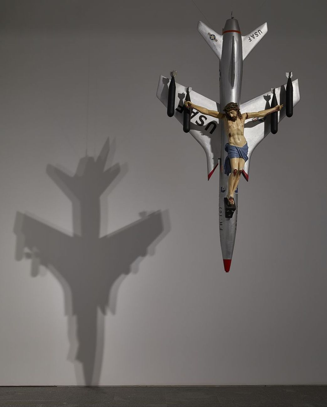 León Ferrari, La civilización occidental y cristiana, 1965. Photo Joaquin Cortés Román Lores. Archivo fotográfico del Museo Reina Sofía