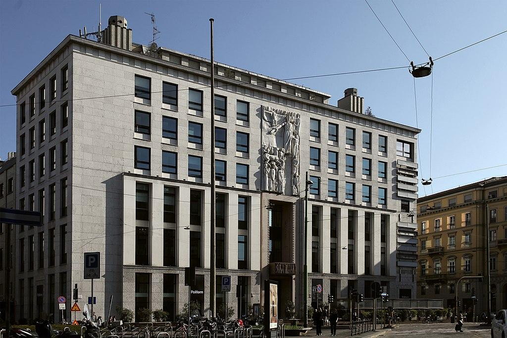Palazzo dell'informazione, Milano, 1938 42. Photo by Paolobon 140 via Wikipedia (CC BY SA 4.0)