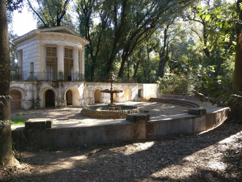 Tempio di Flora e teatro, Villa Ada. Foto Roma Sotterranea