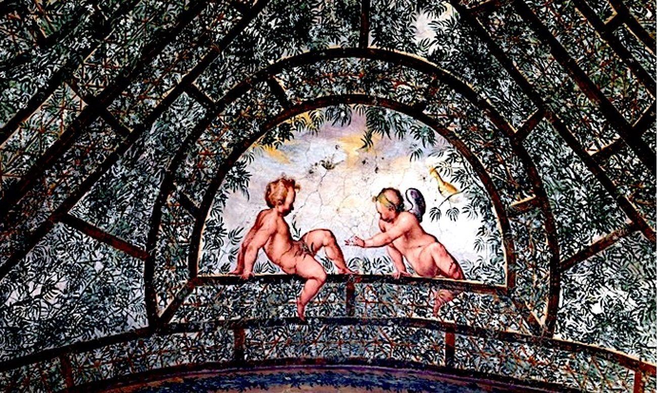 Villa Giulia, Roma. Dettaglio con putto che urina. Photo via Wikipedia