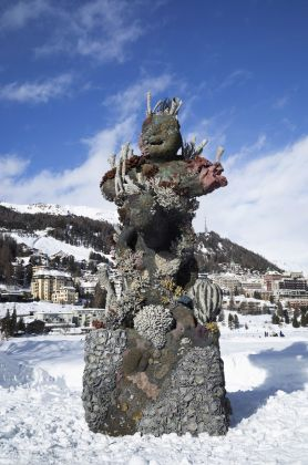 Damien Hirst, Two Figures with a Drum, St. Moritz, 2021