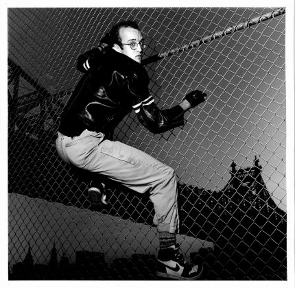 Gianfranco Gorgoni, Keith Haring in Front of Queens Bridge, NYC 1985