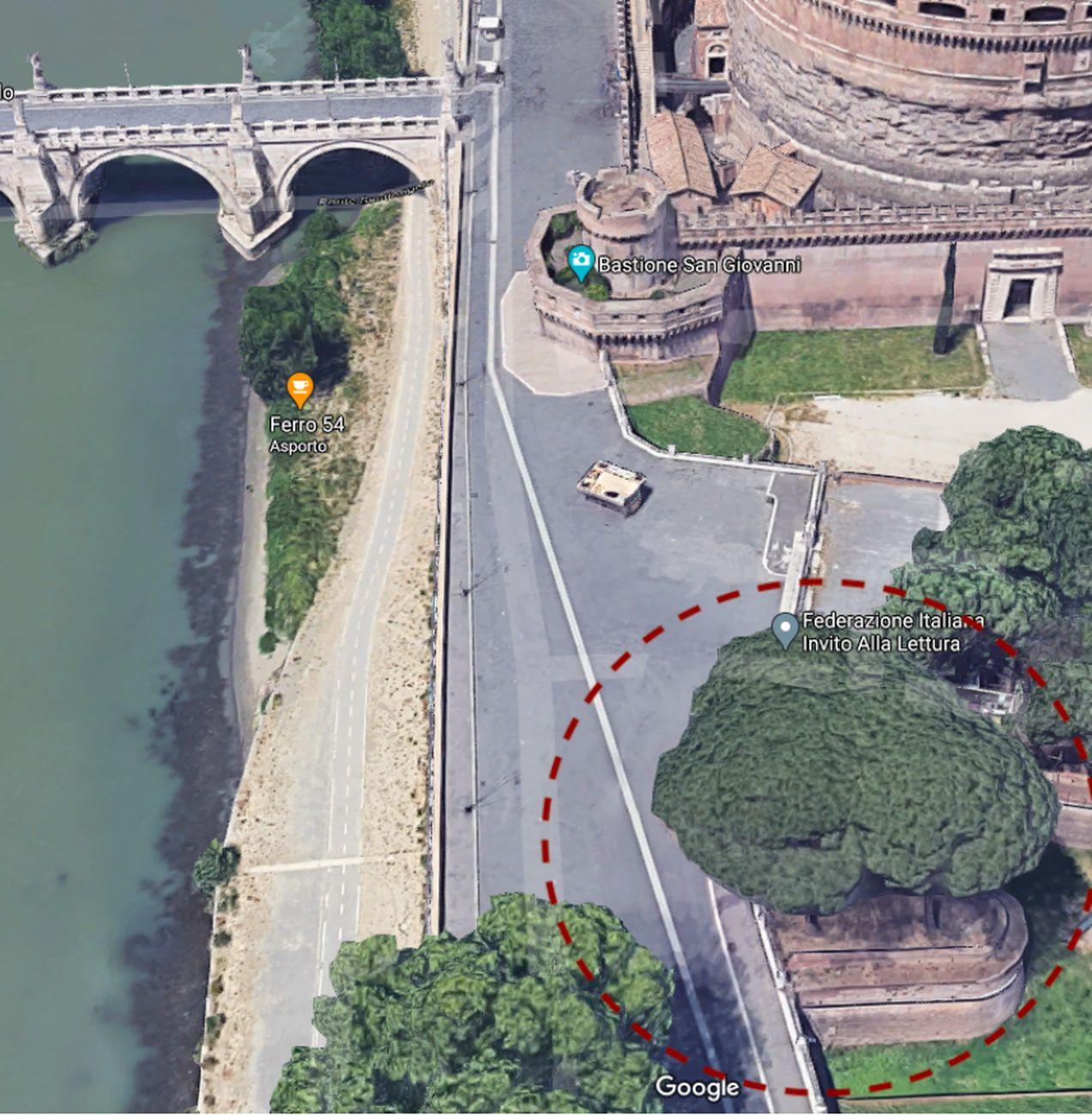 Fotografia aerea da Google Maps con cerchiata una delle due punte dei bastioni di Castel Sant'Angelo mutilate dai muraglioni