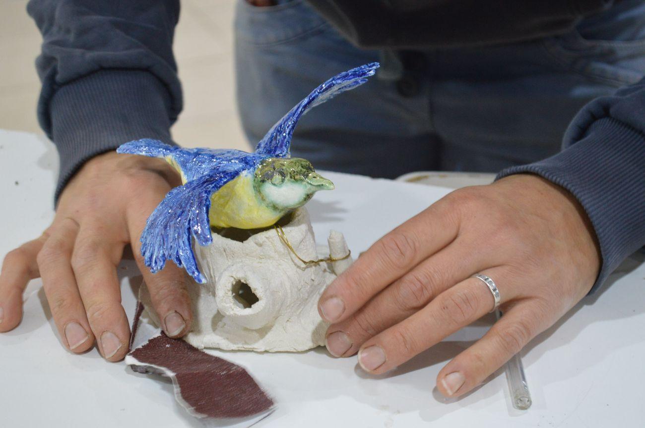 Installazione del gruppo scultura per concorso internazionale MIC Faenza, particolare. Courtesy Il Camaleonte Associazione Artistica