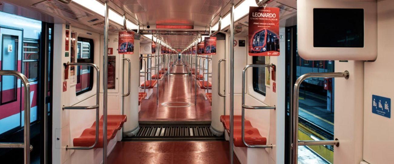 Interni dei treni Leonardo disegnati da Annalisa Dominoni e Benedetto Quaquaro per ATM e prodotti da Hitachi Rail per la linea 1 rossa. Credits Carlo Bevilacqua