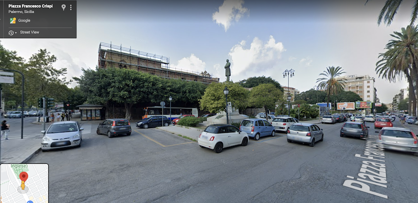 Piazza Croci a Palermo, oggi. Vista da Google Street View