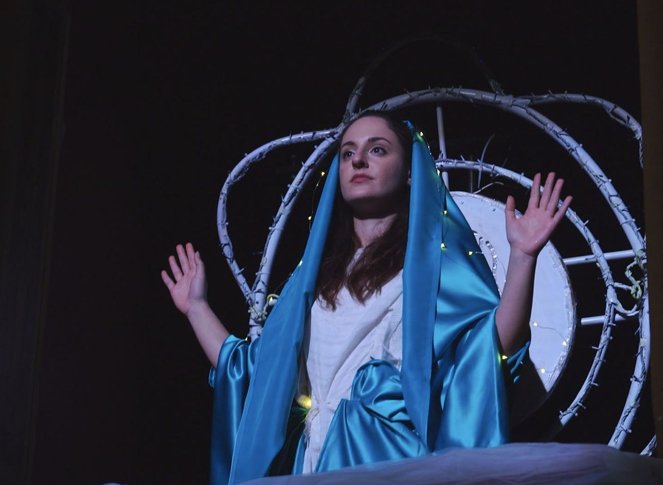 Santa Samantha vs. Chiara Italiano