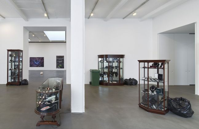 Damien Hirst. Fact Paintings and Fact Sculptures. Exhibition view at Gagosian, Londra 2021