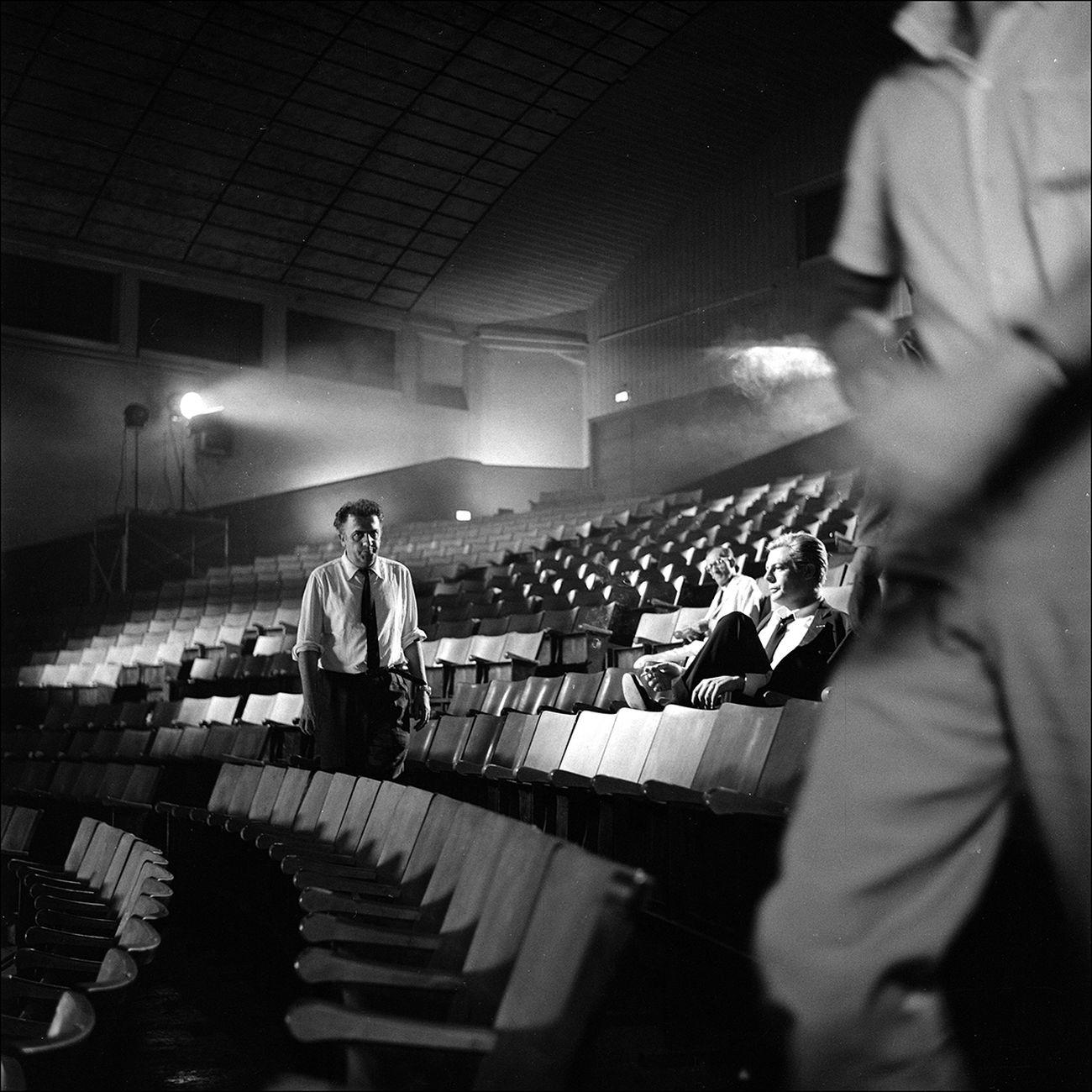 Federico Fellini e Marcello Mastroianni durante la lavorazione di 8½. Photo © Paul Ronald Collezione Maraldi