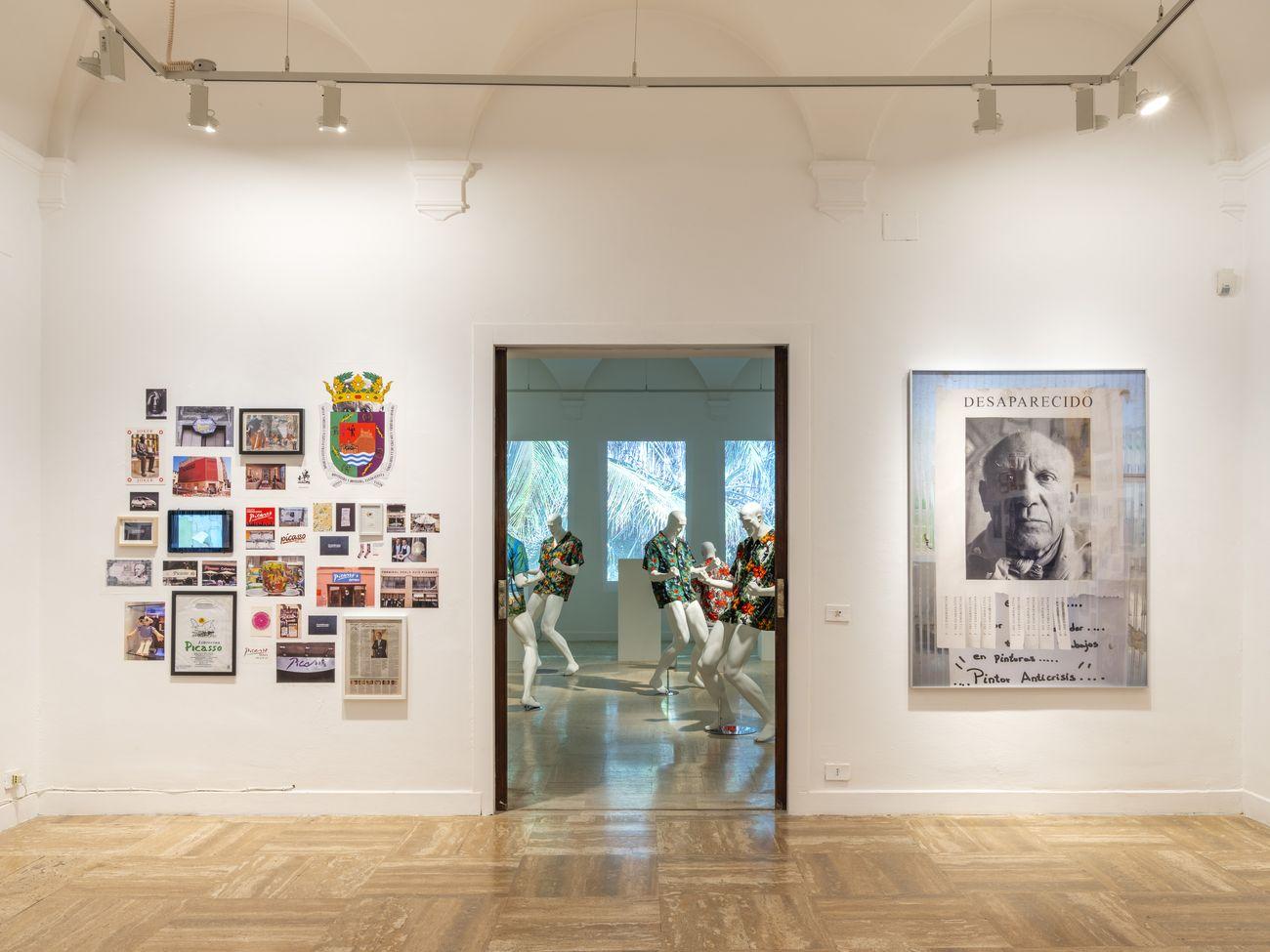 Rogelio López Cuenca, Marca Picasso, 2010 20, installazione multimedia. Installation view at Real Academia de España, Roma 2021. Collezione dell'artista. Photo Juan Baraja