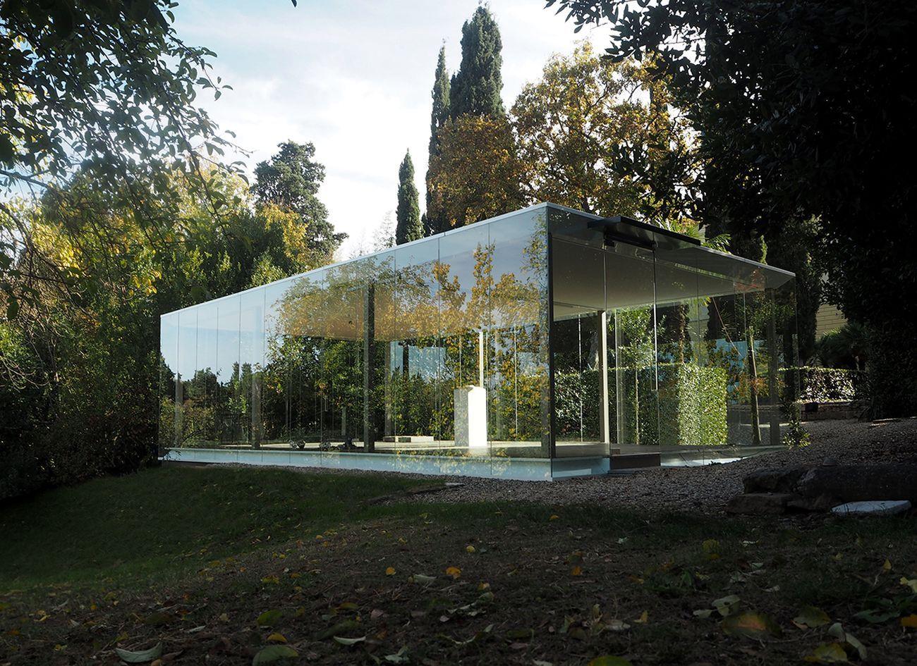 Villa Romana, Firenze. Lo spazio a vetrate nel giardino © Claudio Nardi Architects