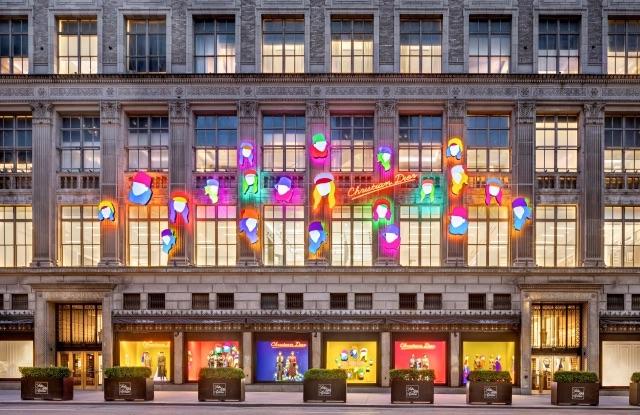 Maria Grazia Chiuri, direttrice creativa dello storico brand, riapre le porte delle boutique all'arte contemporanea