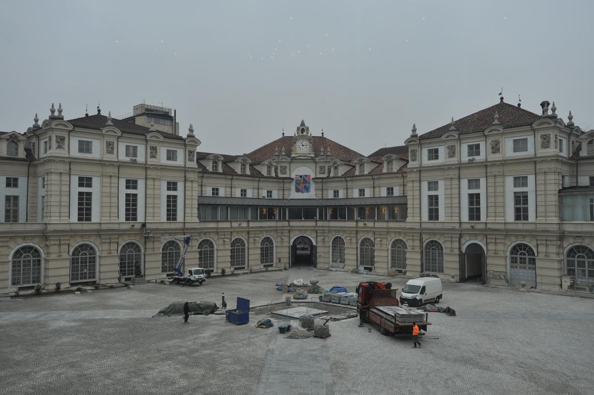 © Dario Bragaglia Torino. Palazzo dell'Arsenale Il Cortile d'Onore durante i lavori di restauro