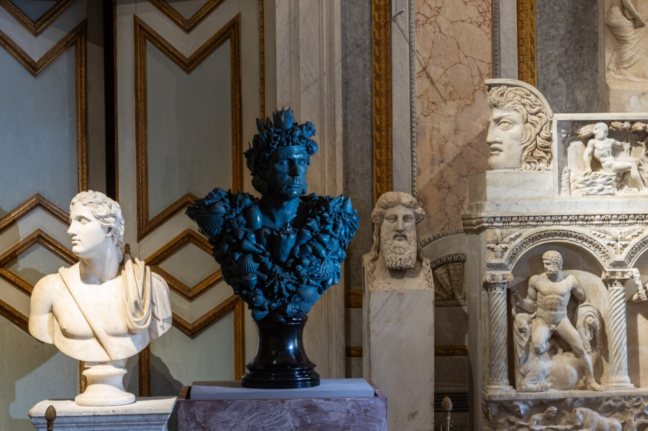DAMIEN HIRST. Archaeology Now 6. Neptune, Collezione privata / Private collection Ph. by A. Novelli © Galleria Borghese – Ministero della Cultura © Damien Hirst and Science Ltd. All rights reserved DACS 2021/SIAE 2021