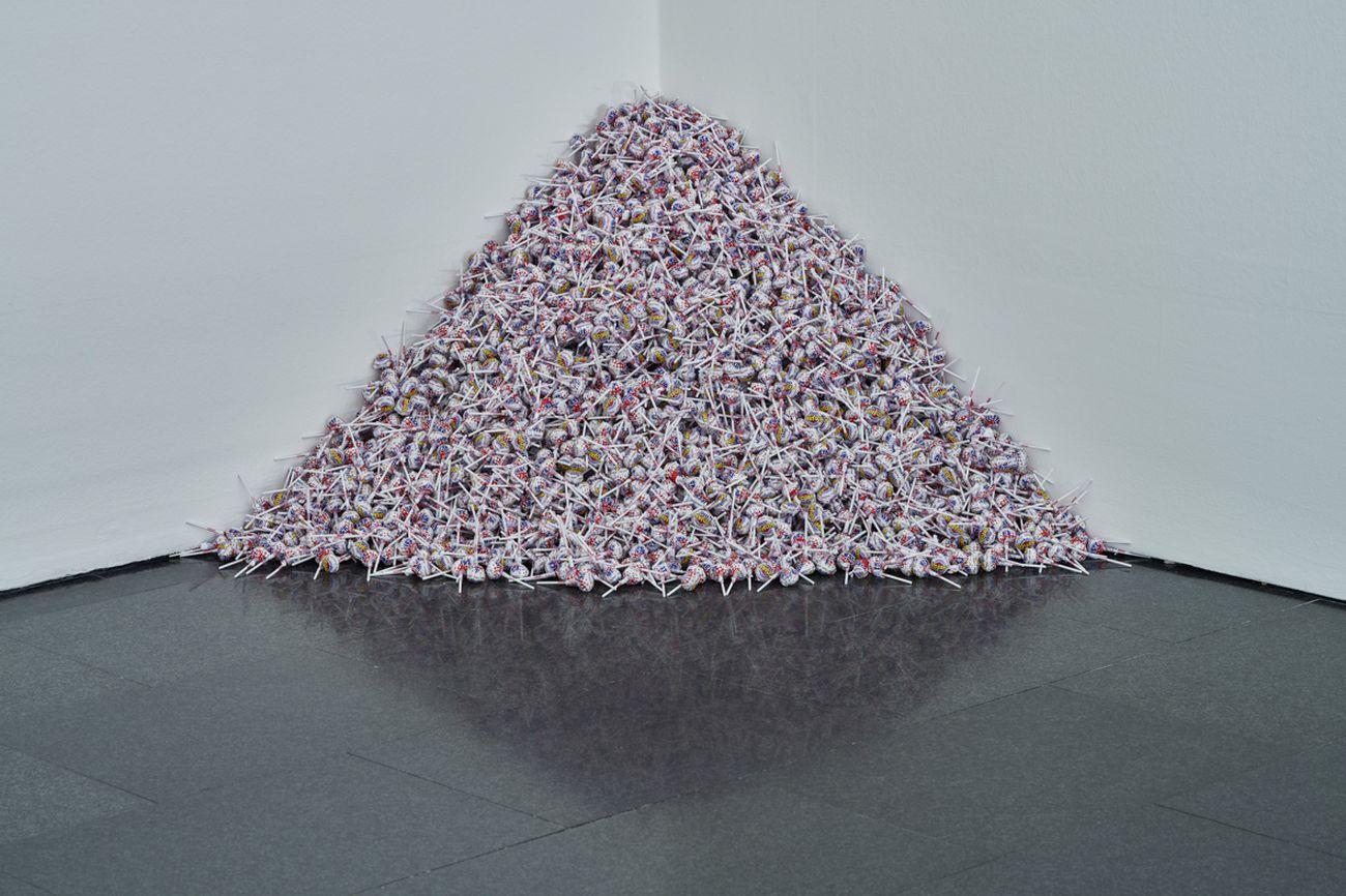 Félix Gonzaléz-Torres. The Politics of Relation. Exhibition view at MACBA, Barcellona 2021. Photo Miquel Coll