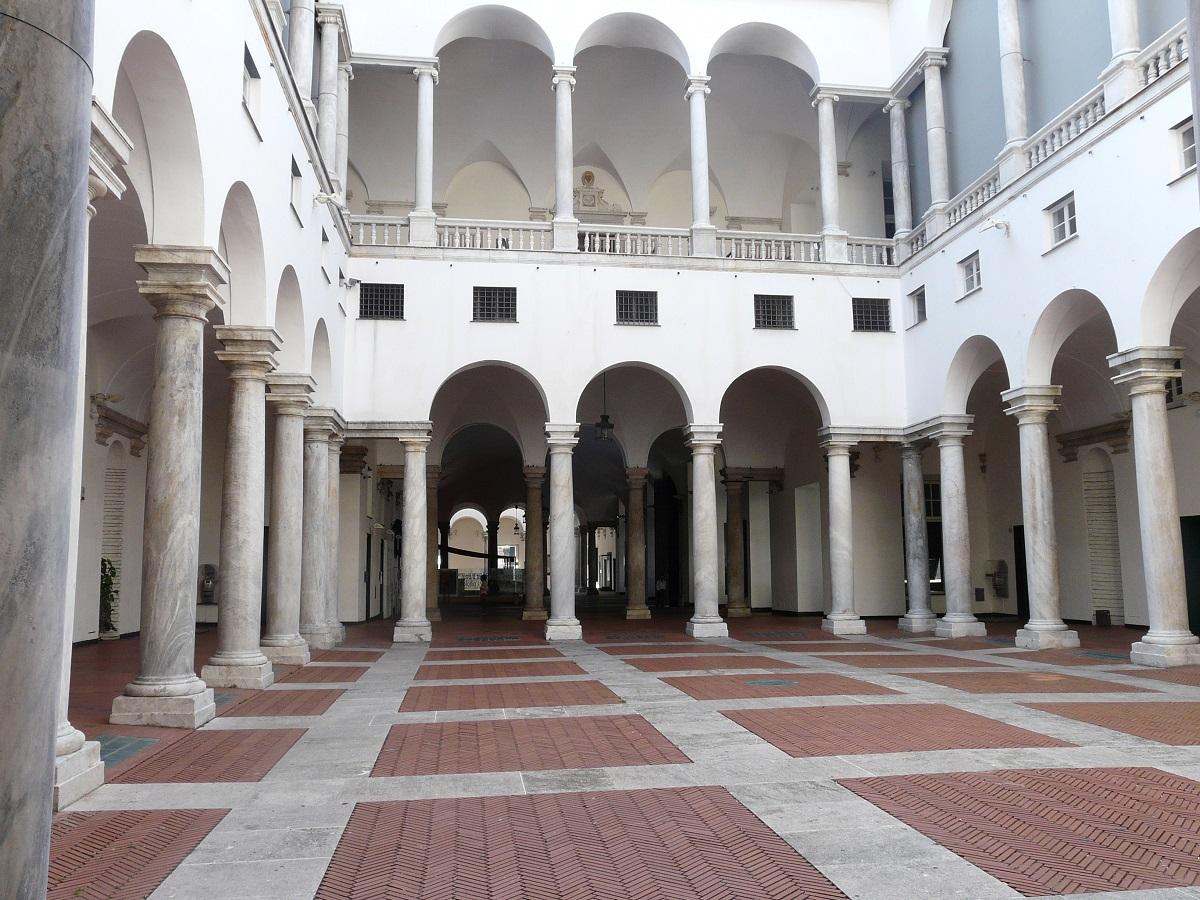 Genova, Palazzo Ducale, porticato