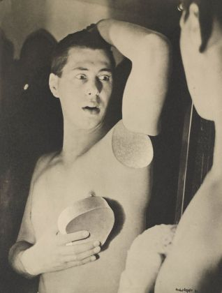 Herbert Bayer, Humanly Impossible,1932. The Museum of Modern Art, New York. Thomas Walther Collection © 2021, ProLitteris, Zürich. Digital Image © 2021 The Museum of Modern Art, New York - Scala, Florence