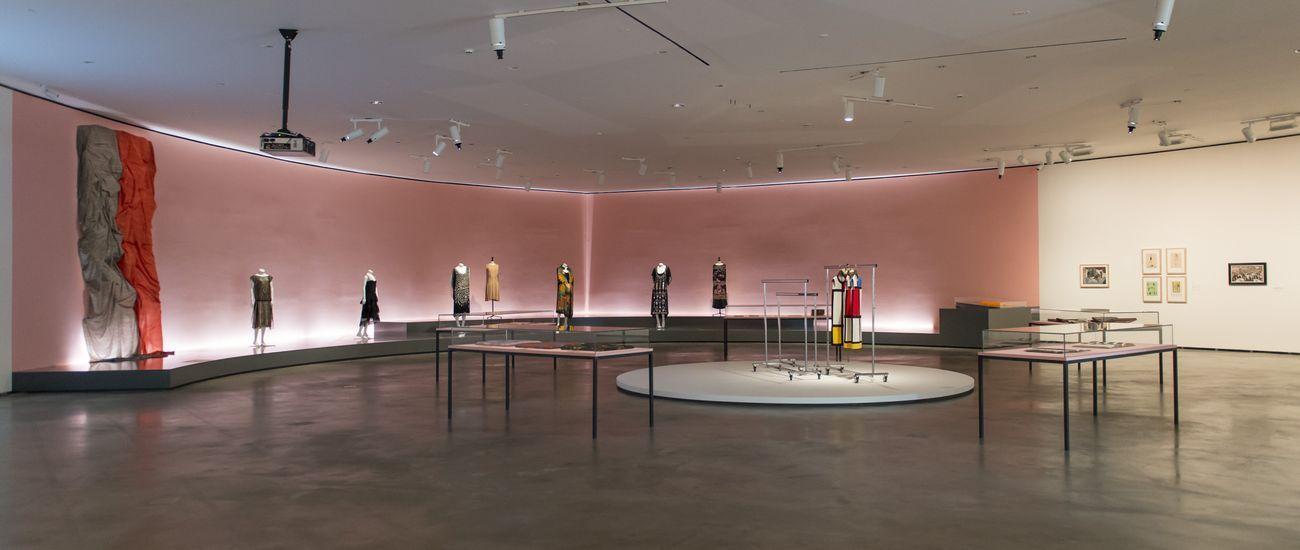 I folli anni Venti. Exhibition view at Guggenheim Museum, Bilbao 2021