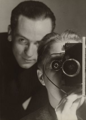Maurice Tabard, Untitled (Self-Portrait with Roger Parry), 1936 ca. The Museum of Modern Art, New York. Thomas Walther Collection. Digital Image © 2021 The Museum of Modern Art, New York - Scala, Florence