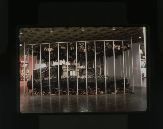 Nari Ward, Peace Keeper, 1995. Installation view at Whitney Museum of American Art, New York 1995. Courtesy the artist, Lehmann Maupin & Galleria Continua