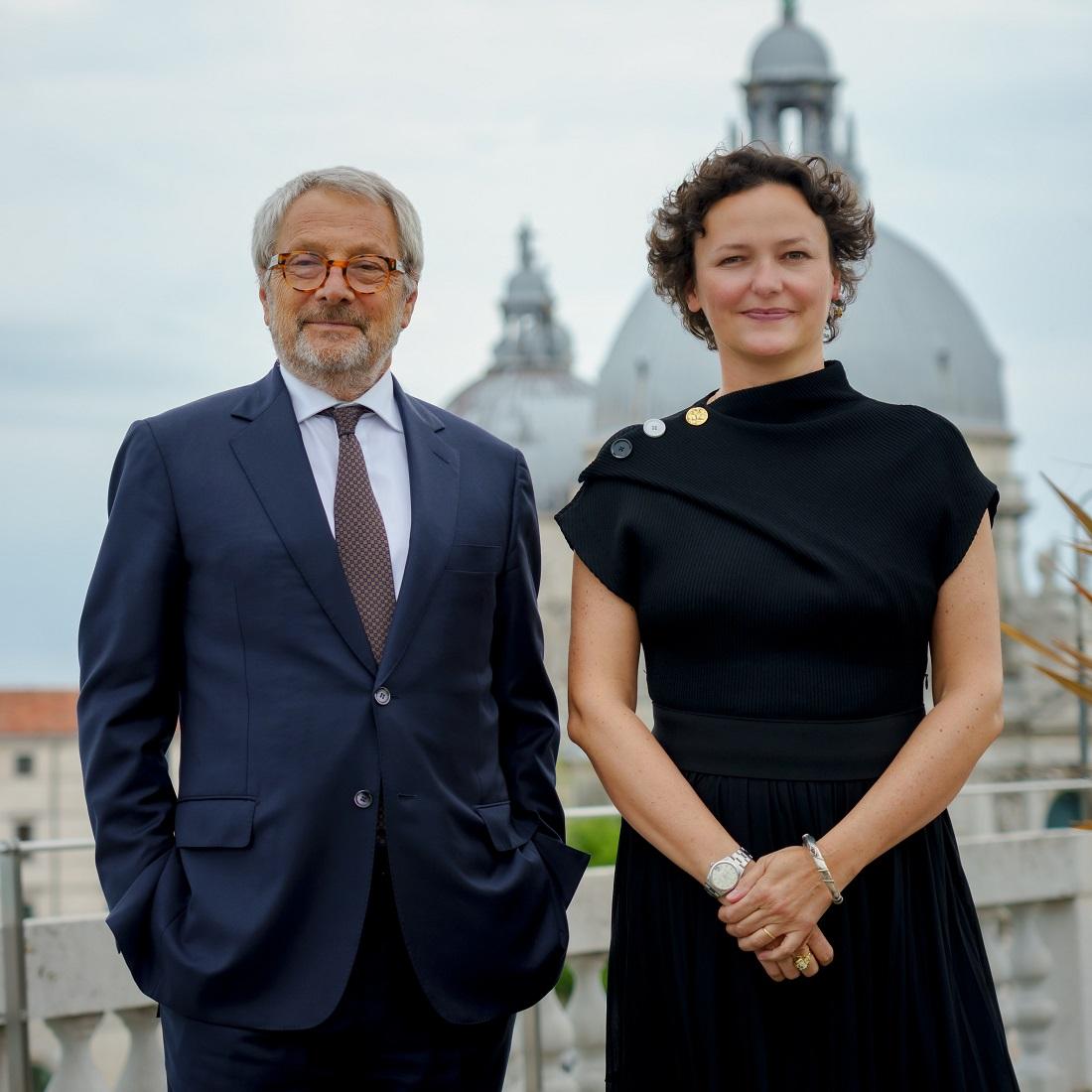 Roberto Cicutto e Cecilia Alemani_Photo by Andrea Avezzù_Courtesy La Biennale di Venezia