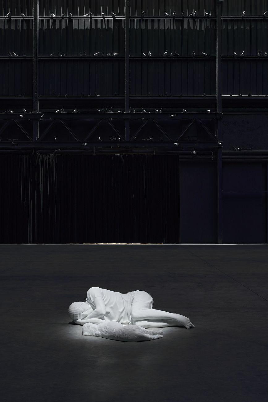 Maurizio Cattelan. Breath Ghosts Blind. Exhibition view at Pirelli HangarBicocca, Milano 2021. Courtesy l'artista & Pirelli HangarBicocca, Milano. Photo Agostino Osio