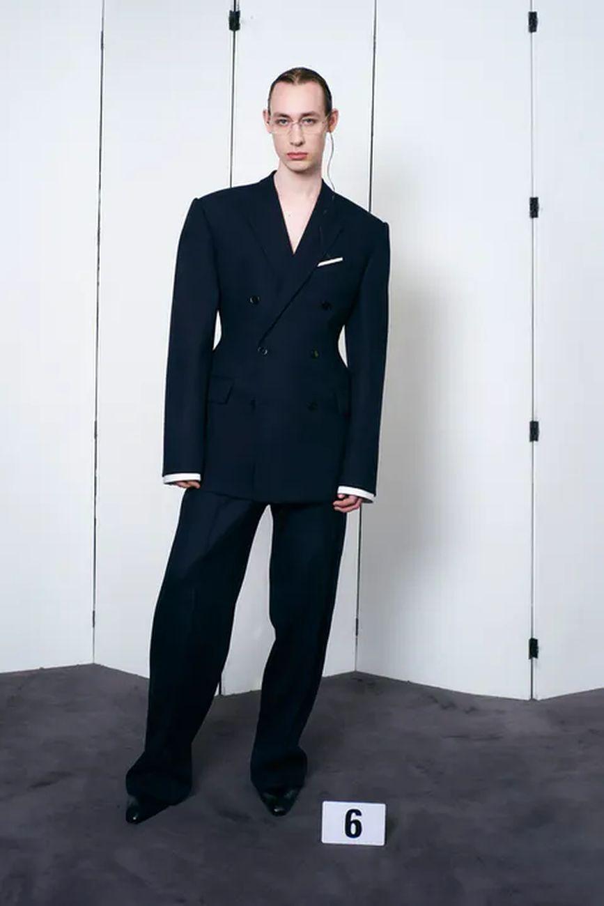 Parigi fashion week. Demna Gvasalia per Balenciaga