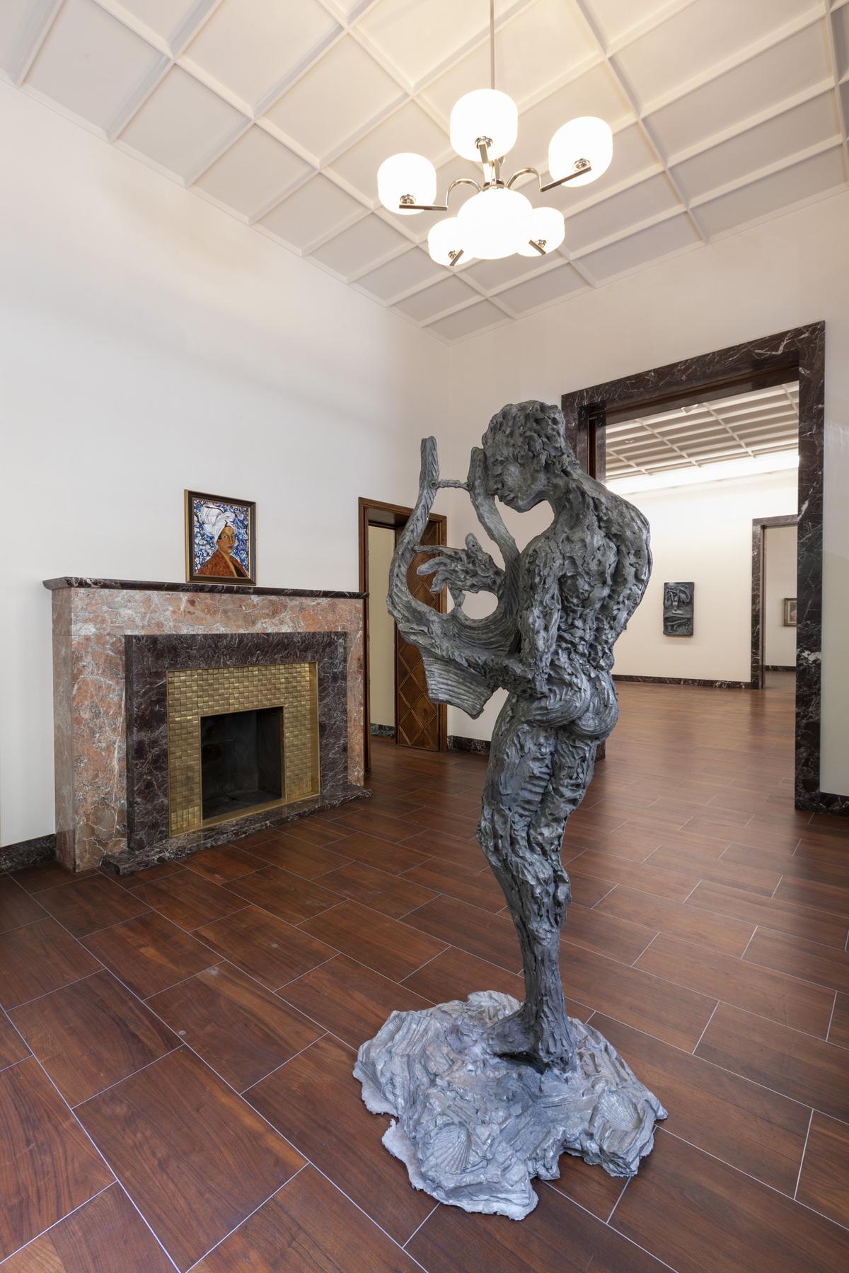 Portraiture One Century Apart, MASSIMODECARLO Milano, Installation Views by Roberto Marossi Courtesy MASSIMODECARLO