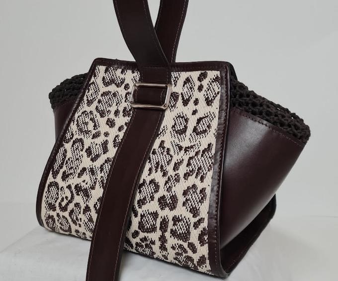 Il prototipo di borsa elaborato da Giovanni Matola, studente IUAD