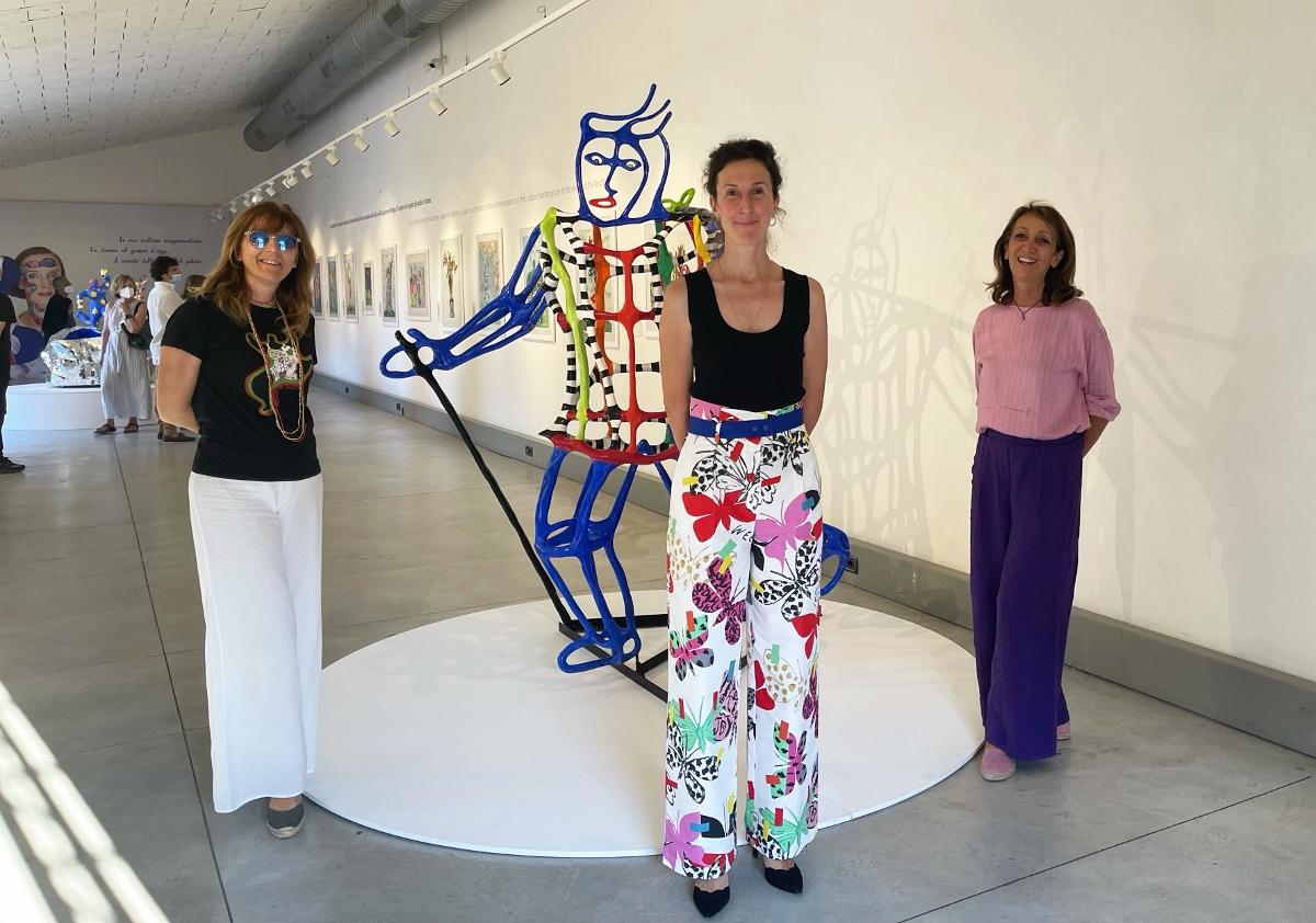 Da destra: Maria Concetta Monaci, Lucia Pesapane curatrice della mostra, Federica Giacon Consigliere della Fondazione Capalbio @ Isaco Praxolu