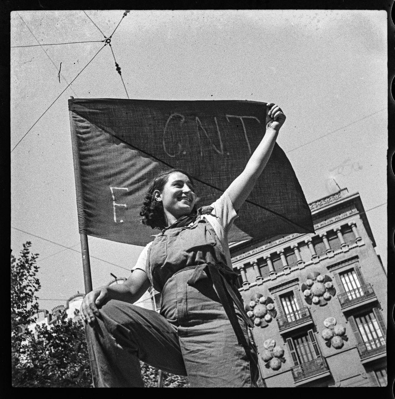 Antoni Campañà, Miliciana en una barricada del carrer Hospital, 1936