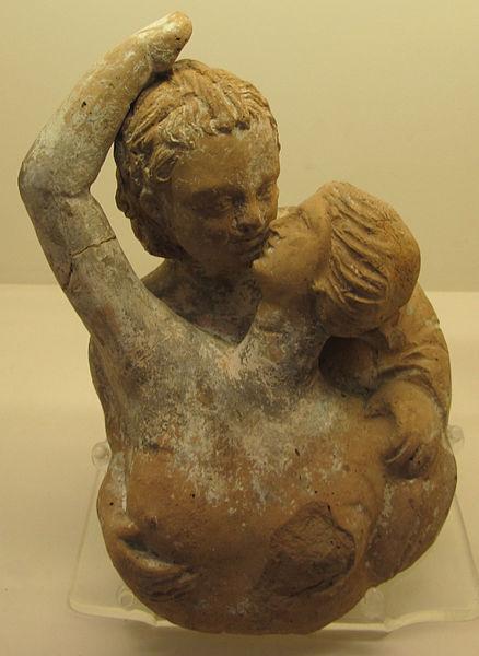 Centuripe, statuetta di Eros e Psiche che si abbracciano, 200-100 a. C., creditis Sailko