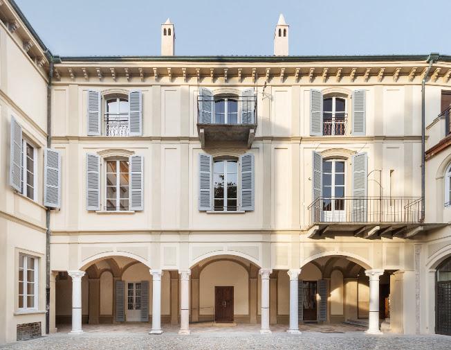 Cortile interno di Palazzo Stauffer © Melania Dalle Grave e Piercarlo Quecchia DSL Studio