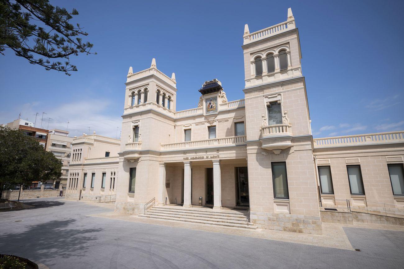 La facciata del Museo Archeologico di Alicante