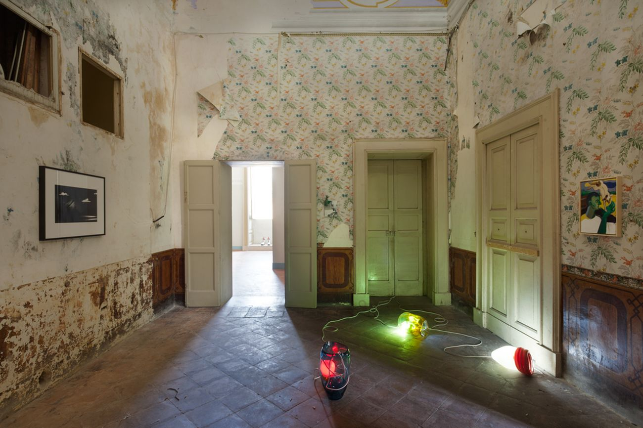 Palai. Installation view at Palazzo Tamborno Cezzi, Lecce 2021. Photo Raffaella Quaranta. Courtesy Palai