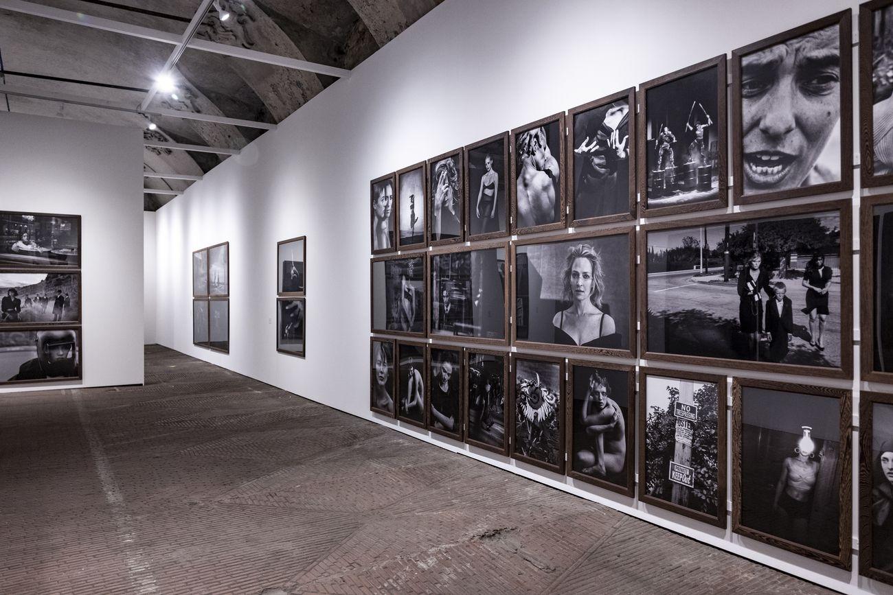 Peter Lindbergh. Untold Stories. Exhibition view at ARTiglieria Con temporary Art Center, Torino 2021. Photo Daniele Ratti