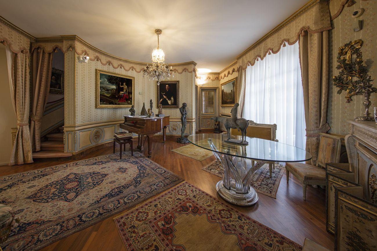 Il salone circolare, veduta dell'installazione, Villa Cerruti, Rivoli, 2019. Photo Antonio Maniscalco