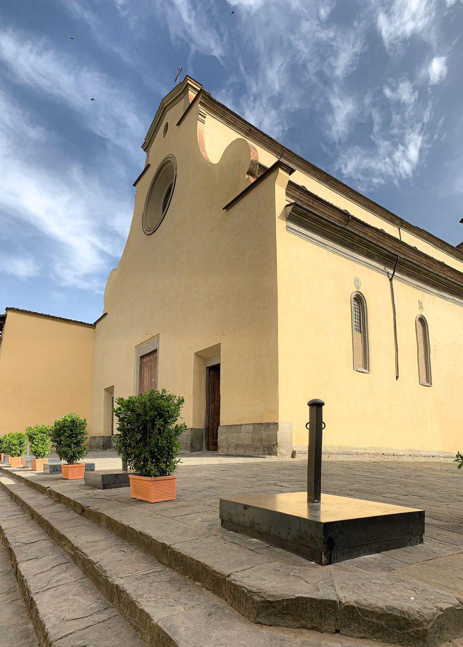 Il transennamento del sagrato della Chiesa di Santo Spirito a Firenze. Photo © Alessandro Naldi