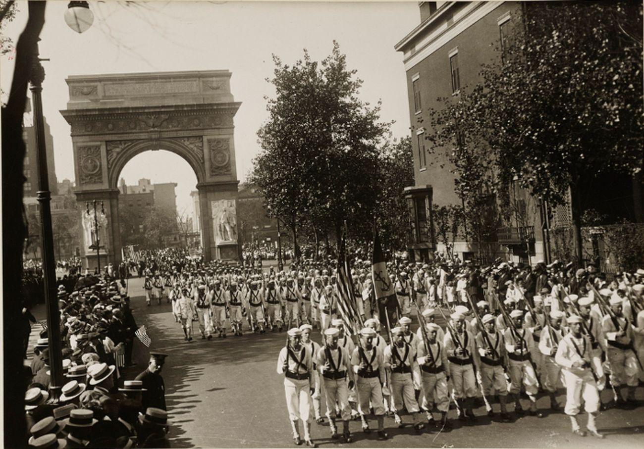 Labor Day Parade, New York City, 14 settembre 1918. Photo International Film Service