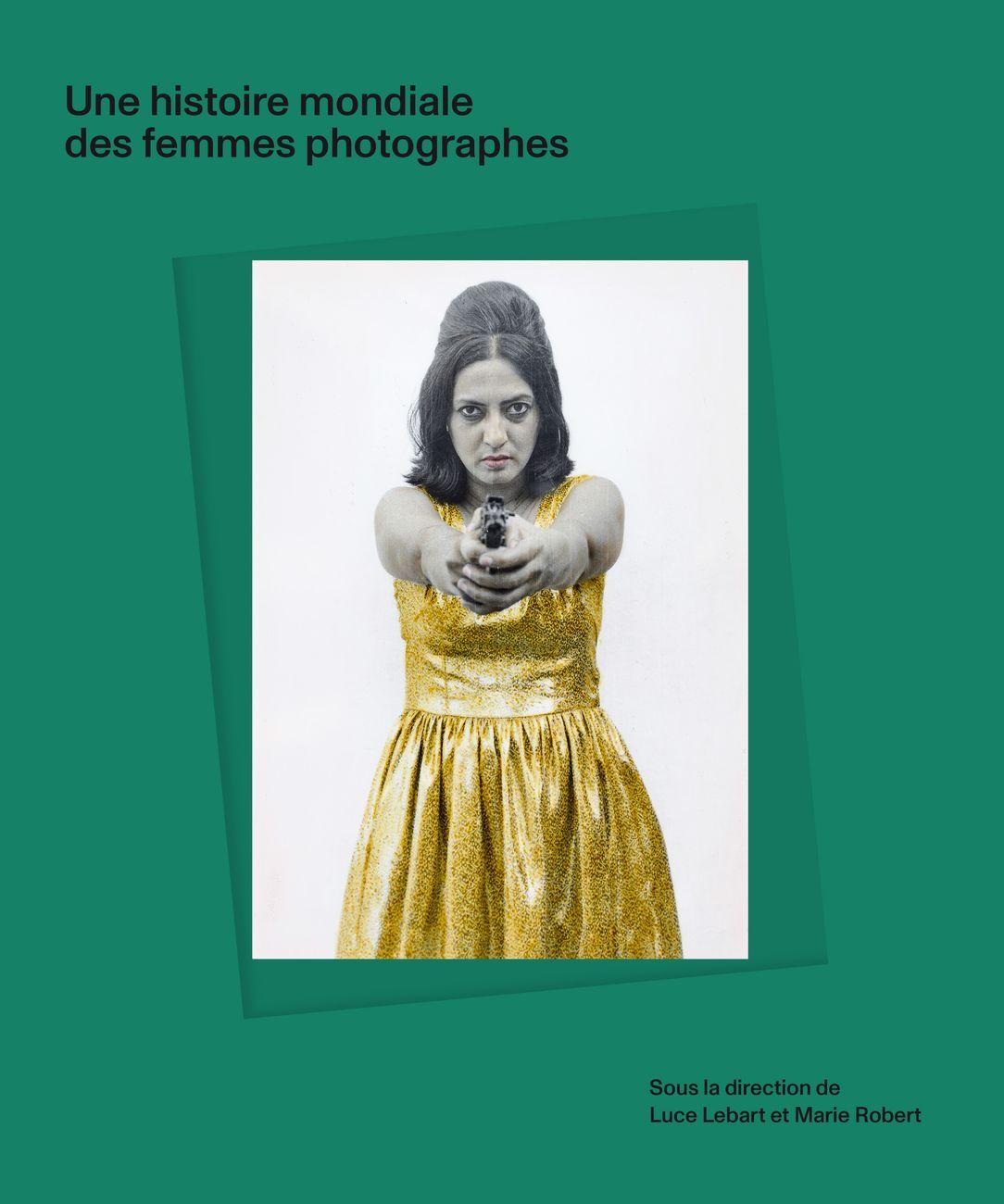 Luce Lebart & Marie Robert (a cura di) ‒ Une Histoire mondiale des femmes photographes (Editions Textuel, Parigi 2020) © Pushpamala N.