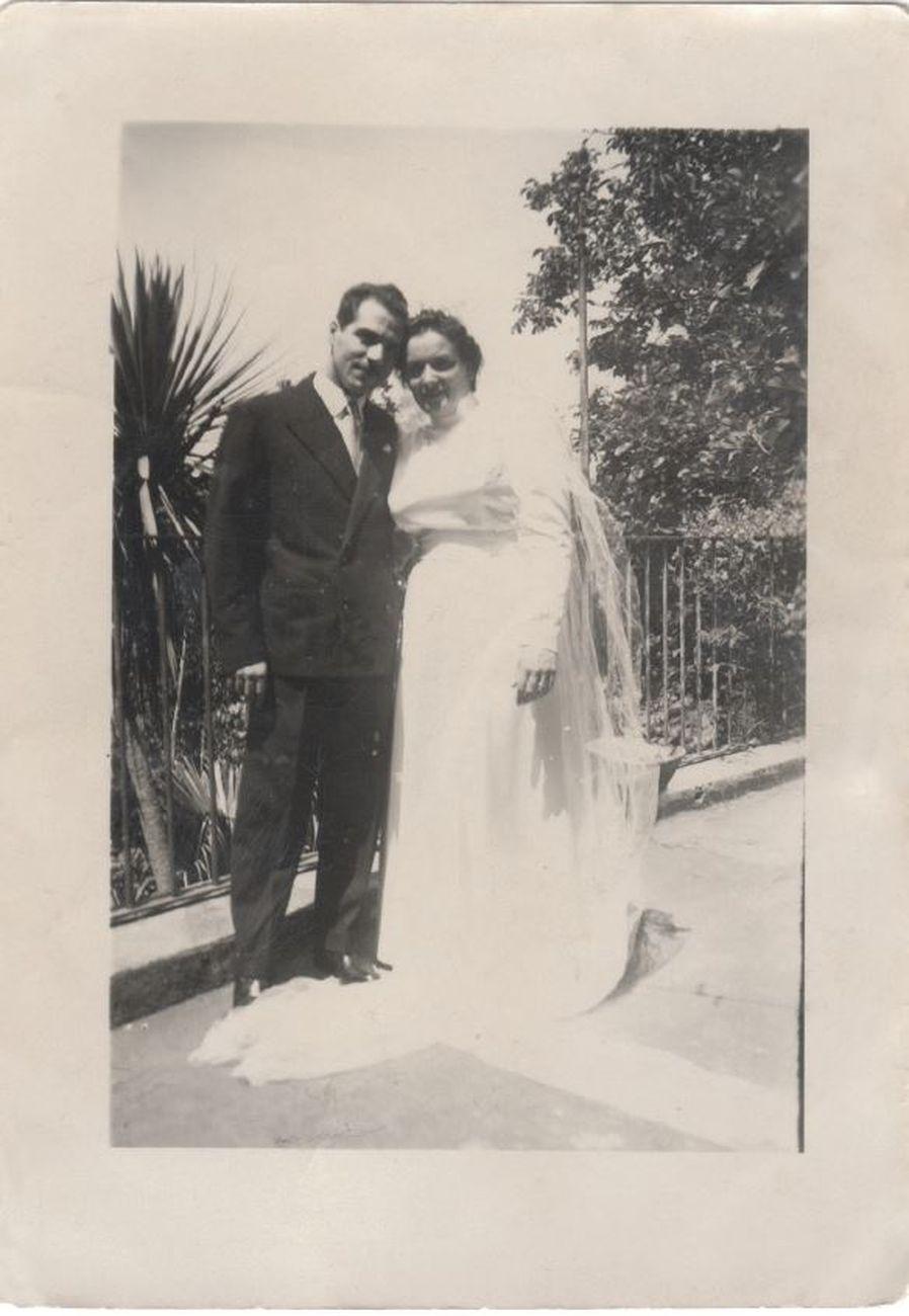 Anonimo, Senza titolo [Sposi in terrazza], 1954